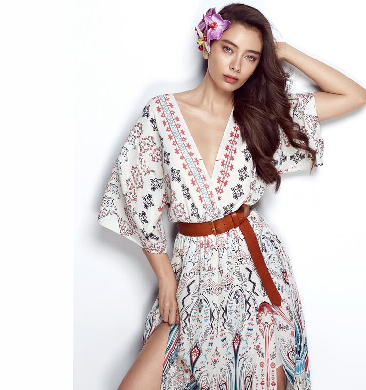 Фото модель Неслихан Атагюль Турецкая красавица