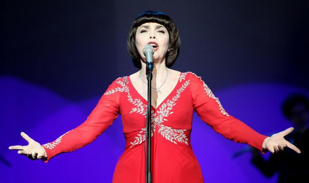 фото концерта в исполнении Мирей Матье