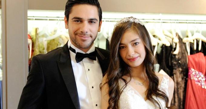 Фото Кадир Догулу с женой Неслихан Атагюль