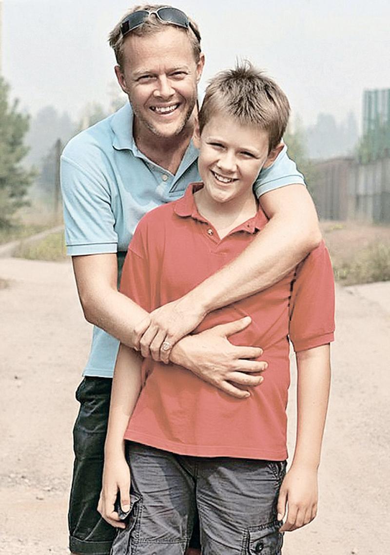Фотография Джон Уоррен с сыном его семья