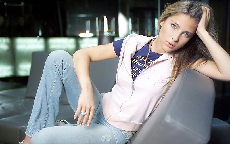Эльза Патаки фотография модели и актрисы