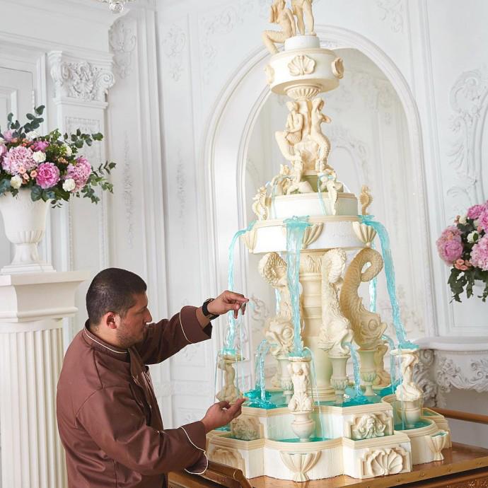 Ренат Агзамов и фотографии его премиум тортов