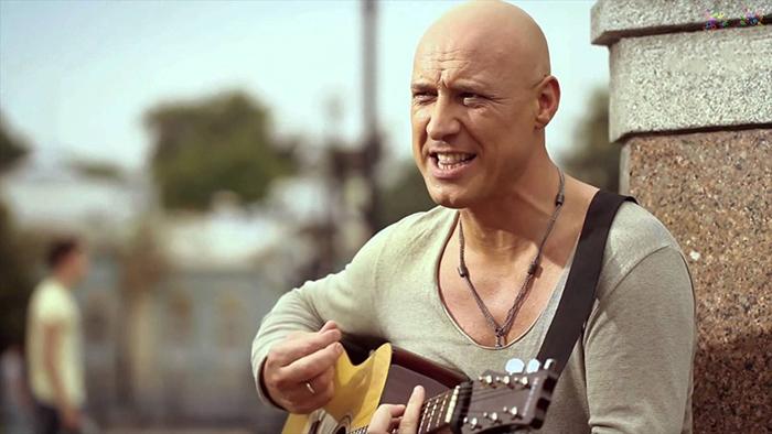 Денис Майданов карьера певца на фото