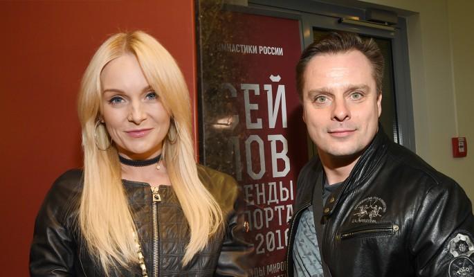 Настя Крайнова и Александр Носик на фото