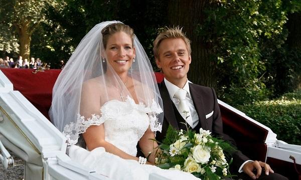 Армин Ван Бюрен и его жена Эрика на фото