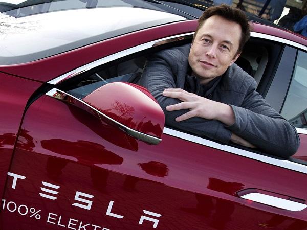 Илон Маск предприниматель компании Tesla