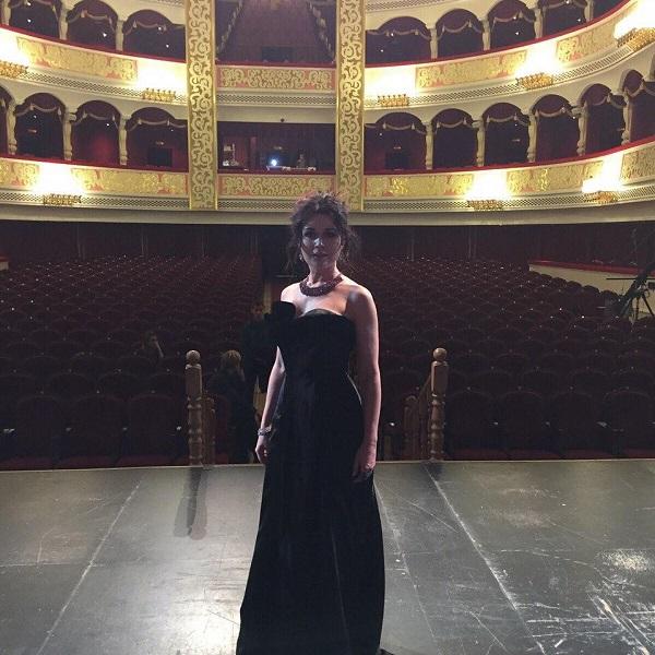 Анастасии Заворотнюк актриса театра на фото