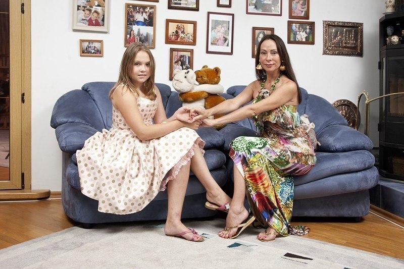 Марина Хлебникова и ее дочь Доминика на фото